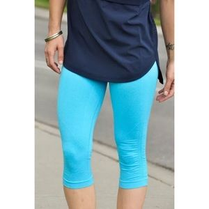 Lululemon In The Flow Crop Spry Blue Size 8